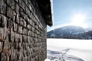 silke tauchert/www.fotofee-st.de/winter/schnee/hütte