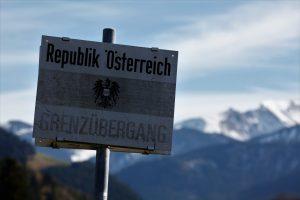 silke tauchert/fotofee-st.de/allgäu/herbst/grenze/tannheimertal